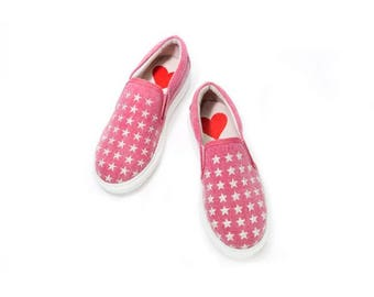 Kids sneakers with embroidered stars made in Spain