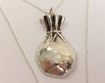 """Hallmarked Sterling Silver Money Bags Pendant on 18"""" Sterling Silver Chain 13.2g.. stock id1832"""