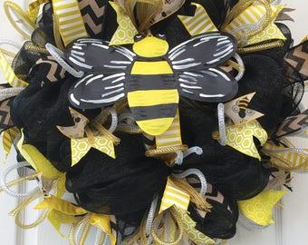 Deco Mesh Spring Summer Bumblebee Wreath