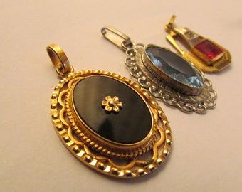 3 vintage pendants French Art Nouveau Art Deco Mourning medallion