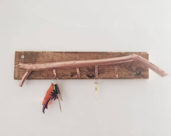 EUSEBIA - Hand Made Key Holder With Metallic and Rustic Look