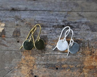 Disc earrings for the minimalist.