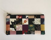Flat  zipper pouch  - black cat and check