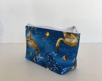 makeup bag, zipper bag, cosmetic bag, zipper pouch, toiletry bag, gift for her, gift for women,  deesdeezigns