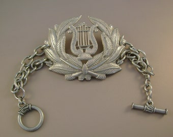 Sing Me Home - Vintage Army Musicians Cap Badge Silvertone Chain Recycled Repurposed Jewelry Bracelet