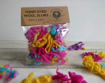 Hand Dyed Wool Slubs - Magenta - Cyan - Yellow - Hand Spinning - Wet Felting - Wool Fibres - Art Yarn - Fibre Art - Dyed Wool - Texture - 5g