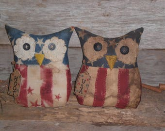 1 Grungy Primitive Patriotic Red White Blue Stars and Stripes  HOOT or USA July 4 Americana Hoot Owl Doll Ornie Ornament Tuck Shelf Sitter