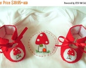 20 % off Winter Sale Red Mushroom Toadstool Baby Gift Set. ECO Shroom Baby Booties and Baby Gift Set. Perfect as a Baby Gift for a Baby Show
