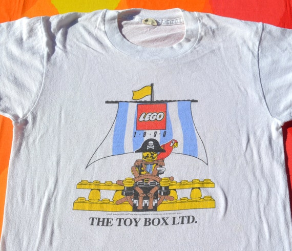 vintage 80s tee LEGO pirate toy box 90s children's kid's t-shirt youth Large 14 adult XS