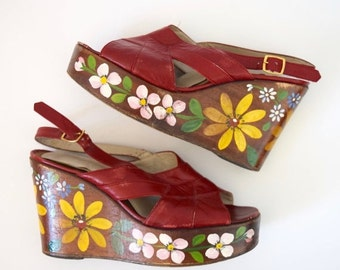 JANUARY SALE / 20% off Vintage 60s 70s Red Leather Floral Painted Platform Sandals