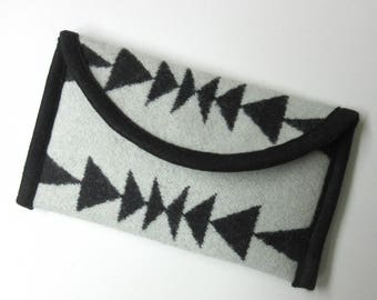 Cell Phone Case Cover iPhone Sleeve Wallet Padded Native American Print Wool from Pendleton Oregon Southwest