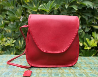 Vintage Coach Bright Red Square City Bag Leather Crossbody Purse 1980s USA 0118162