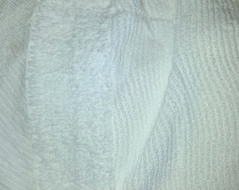 Vintage Wavy Chenille Bedspread full, double, white