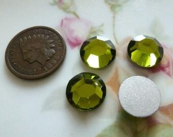 4 Vintage Silver Foil Foiled Olivine Green Glass 11mm Cab Cabochon Machine Cut Stones C4