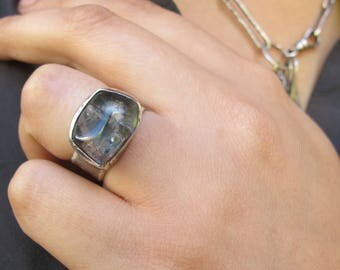 Trapped Earth- Lodolite and sterling silver ring - One of a kind - Size 6,5 - Smooth Wide Textured band - Gifts for her - Piece of nature