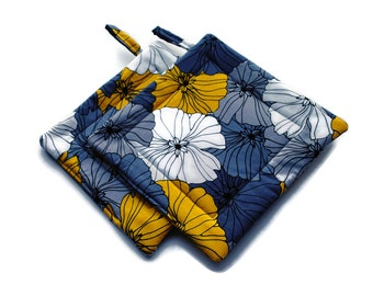 Handmade Quilted  Pot Holders set of 2 Gray Yellow White Flowers