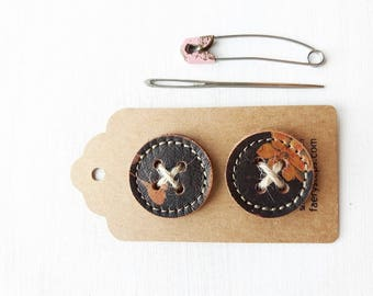 Big leather handmade borrower BUTTONs on gift tag. Perfect for all knitwear. 30mm X 2 in Gypsy brown