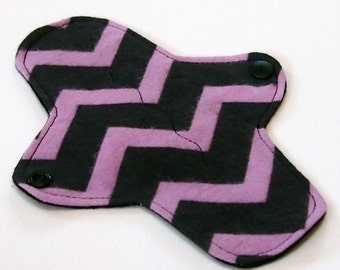 7 inch Reusable Cloth winged ULTRATHIN Pantyliner - Cotton flannel top - Purple Chevron