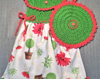 FLOWERS And SHRUBS CROCHET Dress Towel and Pot Holder Set, oven door towel, kitchen, housewarming, birthday, gifts, holiday