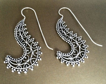 Silver Spiral earrings,Bohemian Jewelry,Filigree Silver long hooks,BOHO EARRINGS,Tribal minimalist earrings,Indian