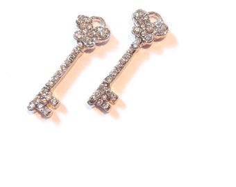 Skeleton Key with Butterfly-shaped Top Charms Small Pair of Rhinestone Encrusted