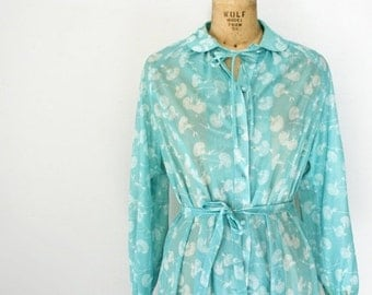 BLACK FRIDAY CLEARANCE vintage 70s Seafoam Green Queen Annes Lace Floral Print Sheer Polyester Day Dress