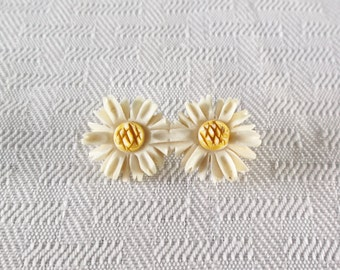 20s 30s Vintage Carved Celluloid Daisy Flower Brooch