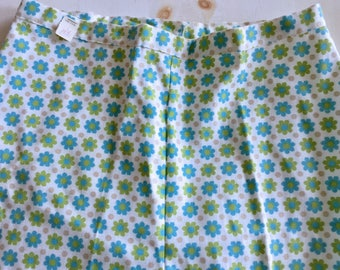 New Old Stock 1950s Daisy Floral Cotton Pedal Pushers Capris MEDIUM