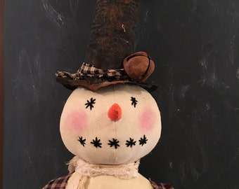 Primitive Christmas Round Snowman in a Top Hat Farmhouse Country Decor