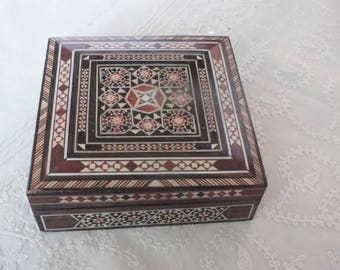 Small inlaid wooden box for MOM Pretty for jewelry, items to treasure , or a note of LOVE