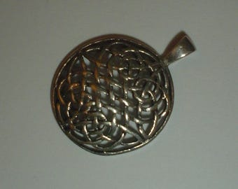 Silver pendant sterling Celtic round knotwork domed vintage pretty