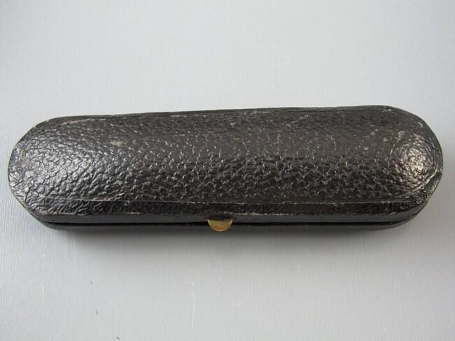 Vintage Art Deco cherry red genuine Baltic amber cigarette holder / smoking / cheroot / tobacciana / original fitted display box case