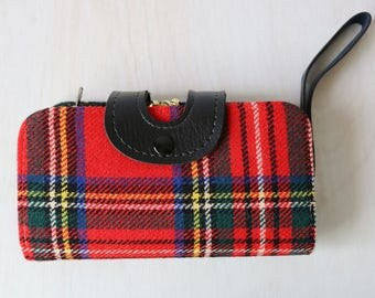 Wristlet Wallet Purse / Tartan Plaid / Multiple Compartments