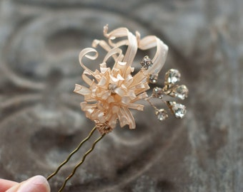 Wedding Hair Flower, Mum flower hair pin in gold and ivory pearl, bridal hair jewelry with rhinestone crystals, mum flower bobby pin