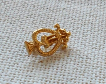 Small Gold Lyre Pin