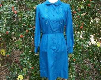 SALE 50s Blue Wiggle Dress size Small Pacemakers Peter Pan Collar Embroidered Bodice Shirtwaist Dress