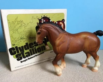 Breyer Clydesdale Stallion with White Picture Box