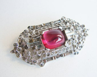 Pristine vintage art deco style silver and rhinestone brooch with crimson red jewel (I4)