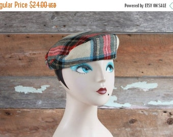 SALE 1960s wool tartan beret | made in Cape Breton at St. Ann's gaelic College | plaid wool Scottish hat