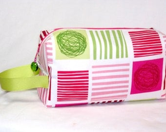 Yarn Squared in Pink and Green Project Bag