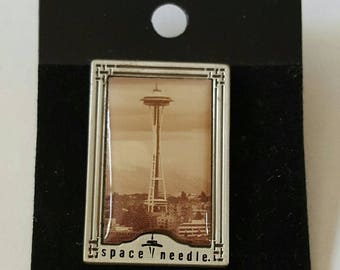 Vintage Silver Metal and Enamel Seattle Space Needle Souvenir Lapel Pin