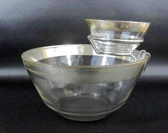 Vintage Mid Century Chip and Dip Bowl Set in Dorothy Thorpe Style. Circa 1950's or 1960's.