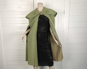 50s Cape in Asparagus Green- 1950s Wool Cloak- Wide Collar