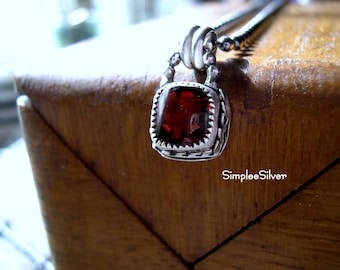 Artisan Jewelry  -  Garnet Necklace  -  Antique Style Necklace  -  Sterling Silver Necklace  -  SimpleeSilver Jewelry  -  Bezel Set Gemstone