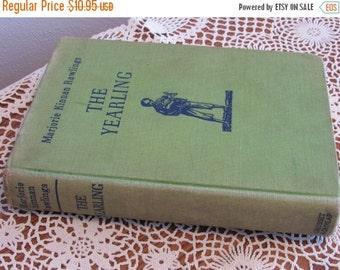 SALE- Vintage Hardcover Book--THE YEARLING by Marjorie Kinnan Rawlings, Wartime Printing