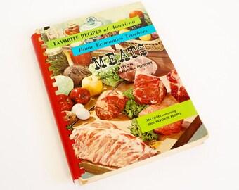 Vintage 1960s Cookbook / Favorites Recipes of American Home Economics Teachers Meats Edition 1962 Pb