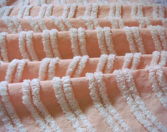 Peach Shell with White Garland Vintage Cotton Chenille Bedspread Fabric 17.5 x 24 Inches