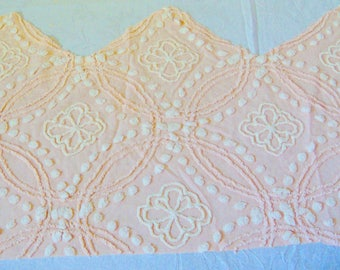 Cabin Crafts Peach and Ivory Vintage Chenille 20 x 32+ Inches