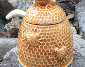 Honey pot, amber, yellow, honey bee, bee hive, bee skeep, dining, serving, kitchen
