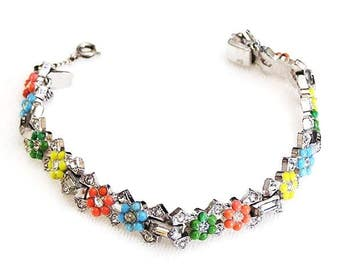 Art Deco Molded Glass Flower Bracelet